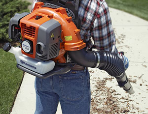 Guide-to-Leaf-Blowers_backpack